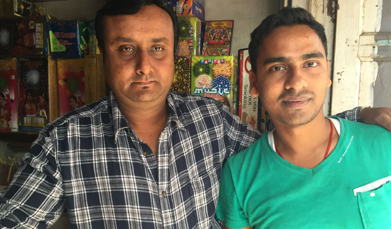 Chetan Parikh (L) with Rajesh Kumar Sinha, who shops frequently on Flipkart