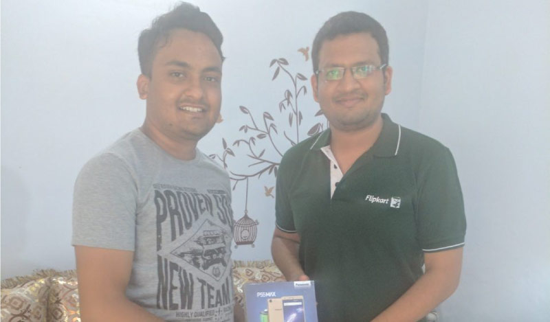 Flipkart Customer Connect - Alakshendra (L) with Flipster Amrendra Saxena